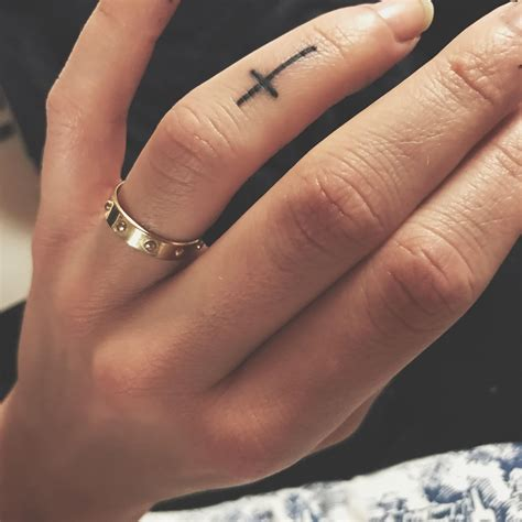 finger tattoos cross cross finger tattoos finger tattoos tattoos
