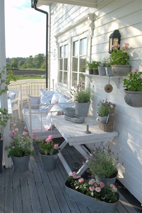27 Shabby Chic Terrace And Patio D 233 Cor Ideas Shelterness Shabby Chic Patio Decor