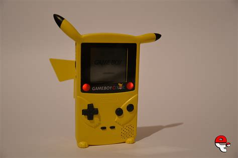 custom gameboy color featured the pikaboy a custom pikachu gameboy color by e4i