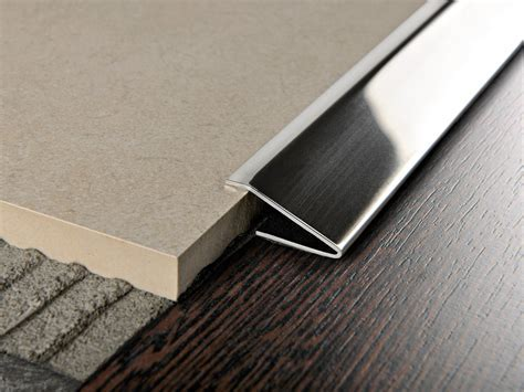 GLOSSY STEEL EDGE PROFILE FOR FLOORS PROPRESS 712 BY