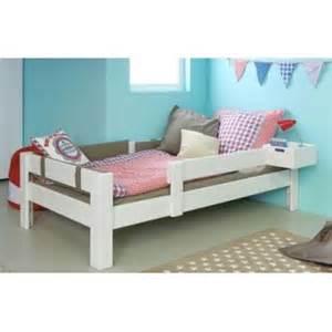 lit junior chambre 224 coucher