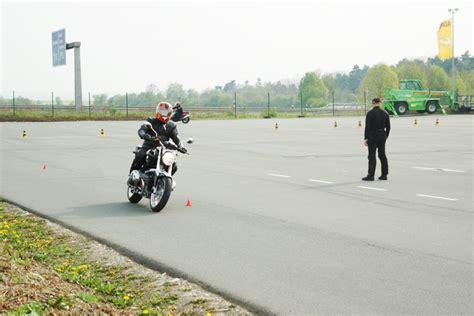 Adac Fahrsicherheitstraining Motorrad Wiedereinsteiger by Motorrad Touren Adac Fahrsicherheitstraining