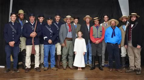 Ransel Lahigs ganging up for a re enactment braidwood times