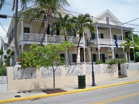 duval house key west outside of the duval house at 815 duval st picture of