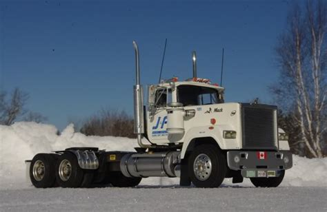 Mack Superliner Sleeper by Mack Superliner