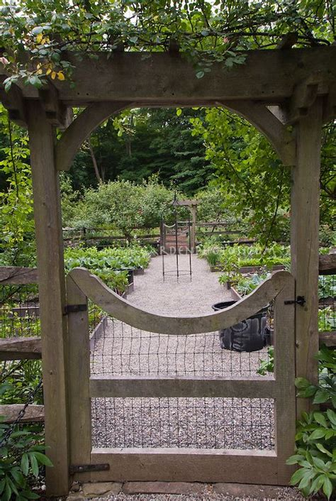 vegetable garden fence gate  methods