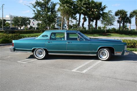 1979 LINCOLN CONTINENTAL 4 DOOR SEDAN   125769