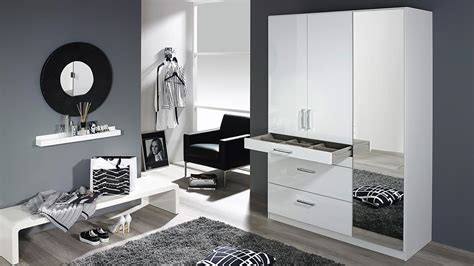 kleiderschrank hochglanz weiß mit spiegel kleiderschrank homburg schrank wei 223 hochglanz spiegel 136
