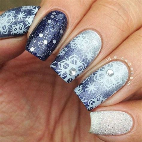 Weihnachts Nägel 2017 by 20 Snowflake Acrylic Nail Designs Ideas