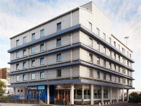 travelodge reading central  prices reviews england