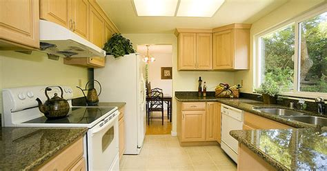 define a galley kitchen ehow uk - Galley Kitchen Definition