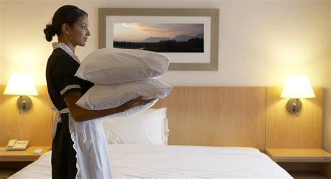 should you tip the hotel housekeeper point me to the plane