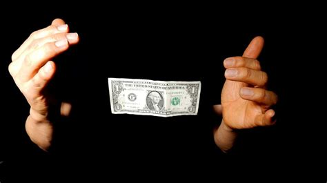credit card tricks to make money learn magic tricks to try on your friends