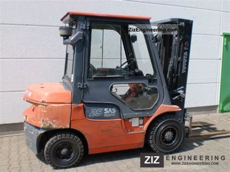 toyota 25 forklift specifications toyota 02 7 fdf 25 2005 front mounted forklift truck photo