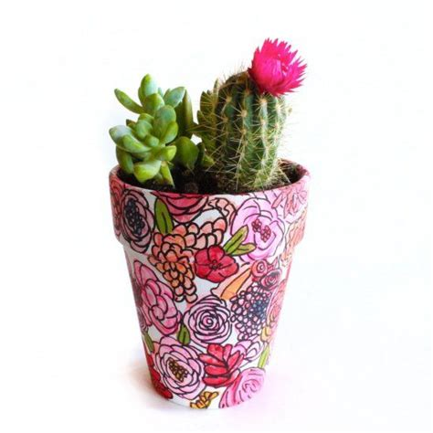 cute flower pots this cute flower pot is so easy anyone can paint it