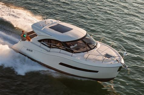 carver boats new 2016 new carver c37 coupe cruiser boat for sale 447 000