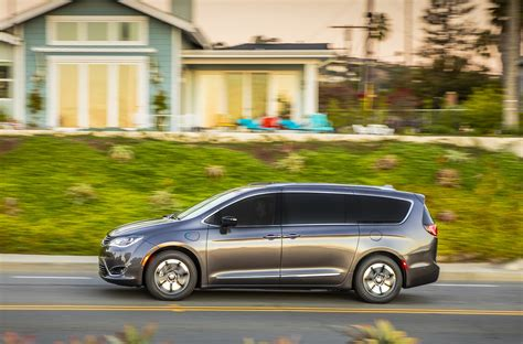 Chrysler Pacifica Used by New And Used Chrysler Pacifica Prices Photos Reviews