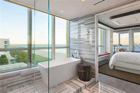 Khloe Bathroom by The Quot Kourtney And Khloe Take Miami Quot Penthouse Is For Sale