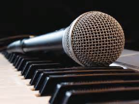 Superior Perform On Stage #7: Microphone-on-piano-SM.jpg