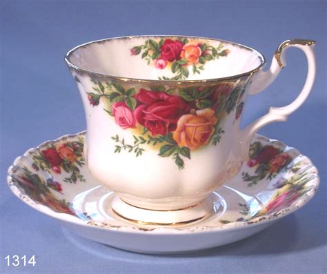 Royal Albert Old Country Roses Bone China Tea Cup and Saucer ? SOLD: Collectable China