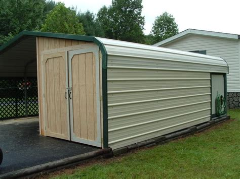 Enclosed Carports Garages by Best 25 Enclosed Carport Ideas On Side Car