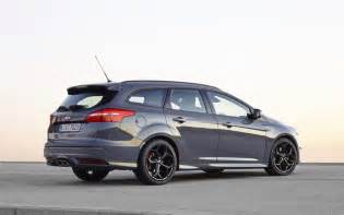 ford focus st 2015 station wagon car wallpaper