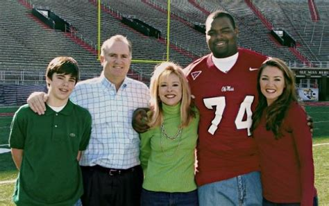 Blind Side Family Essay by Leigh And Collins Tuohy Family Members That Inspired Quot The Blind Side Quot And Got