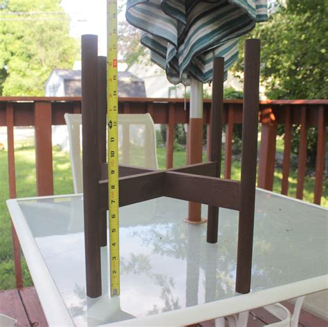 Wooden Planter Stand by Remodelaholic Diy Wooden Planter Stand