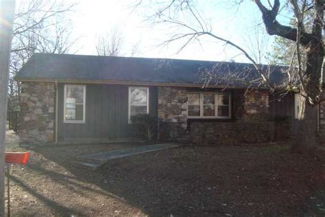 houses for sale paris tn 38242 houses for sale 38242 foreclosures search for reo houses and bank owned homes