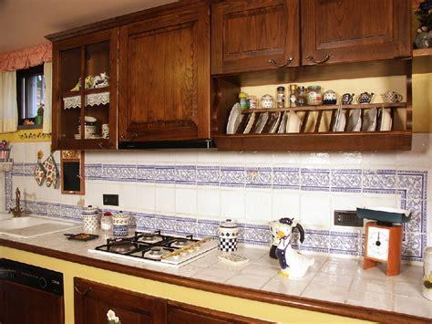 piastrelle piano cucina piano cucina in piastrelle