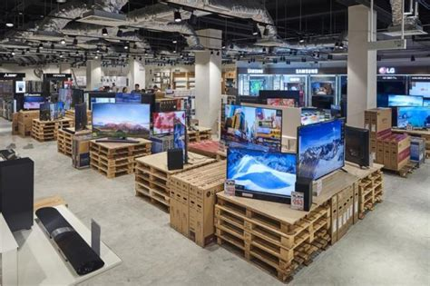 harvey norman factory outlet opens  chai chee road