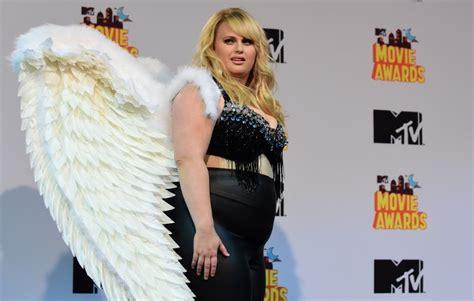 actress fat amy pitch perfect lebron james loves pitch perfect s fat amy inquirer