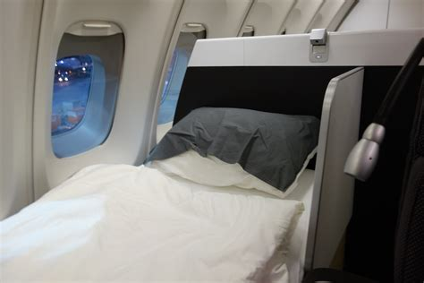 most comfortable beds burn united miles burn lufthansa b747 400 first class frankfurt to new york jfk