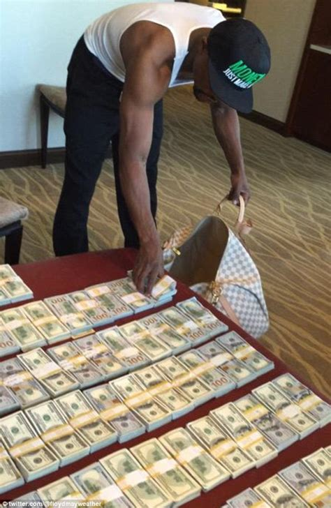 floyd mayweather money bag ridiculousness when floyd mayweather travels he only packs 100 bills