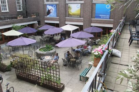 outdoor eating area douglas house project london house best art