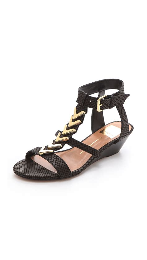 dolce vita wedge sandal dolce vita helia low wedge sandals in black lyst