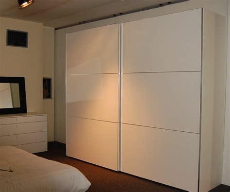 armadio scorrevole bianco armadio scorrevole poro aperto bianco