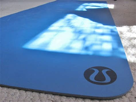 Lululemon The Mat Reviews by Run Turtle Run Review Lululemon Le Mat