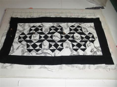Patchwork Quilt Song - sew divertimento black white quilt ic 38