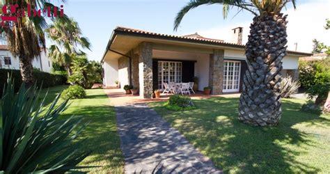 foto ville con giardino argentario immobiliare vendita villa porto santo stefano