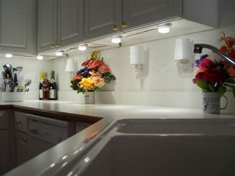 installing lights kitchen cabinets
