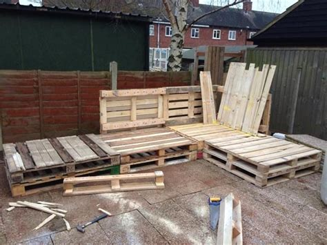 pallet l shaped couch 987 best carpentry makes me happy images on pinterest