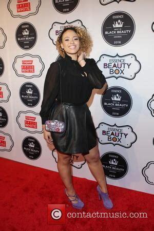 2016 black essence beauty award elle varner pictures photo gallery contactmusic com