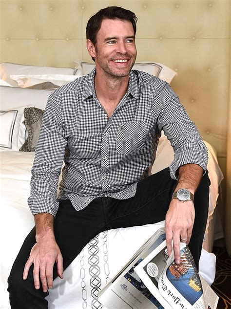 Scott Foley | scandal scott foley has an unorthodox way to break