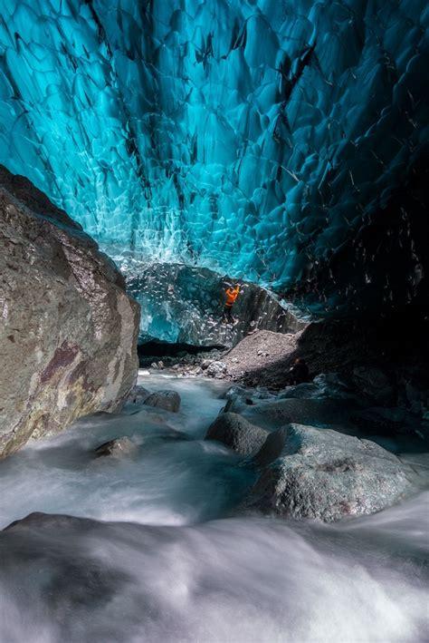 Ate La Rochelle 5306 fotografii cu peșterile de gheață islandeze surprinse cu