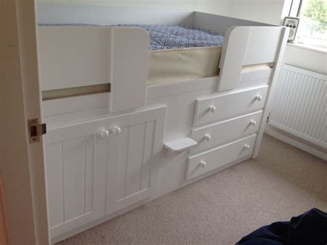 cabin beds for small bedrooms 17 best images about childrens cabin beds on pinterest