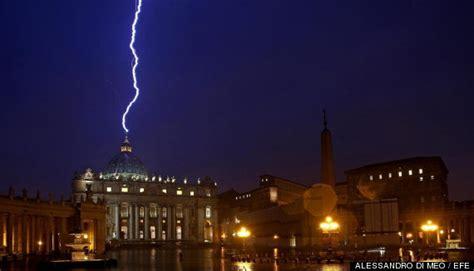 imagenes oscuras del vaticano foto del rayo que cay 243 en la c 250 pula del vaticano el d 237 a