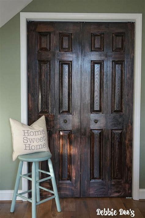 paint  plain white door    wood wood