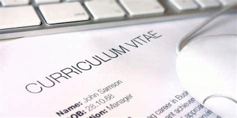 contoh surat lamaran kerja berdasarkan informasi dari berbagai sumber