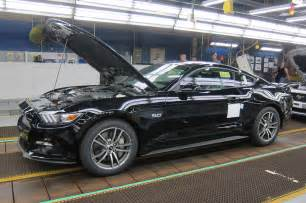 2015 ford mustang gt on assembly line black photo 6